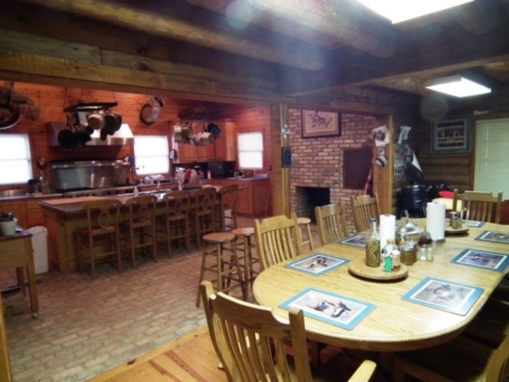 7 Dining Kitchen 1 1024x768 1
