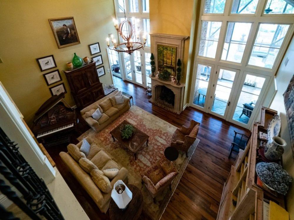 Balcony View of Living Room1 1024x768 1