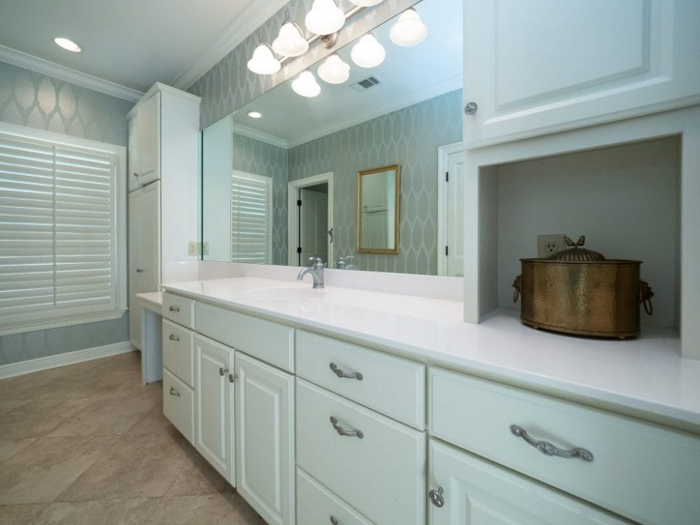 Guest Bath 1024x768 1