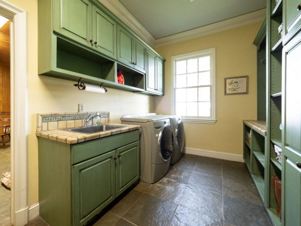 Laundry Room1 1024x768 1