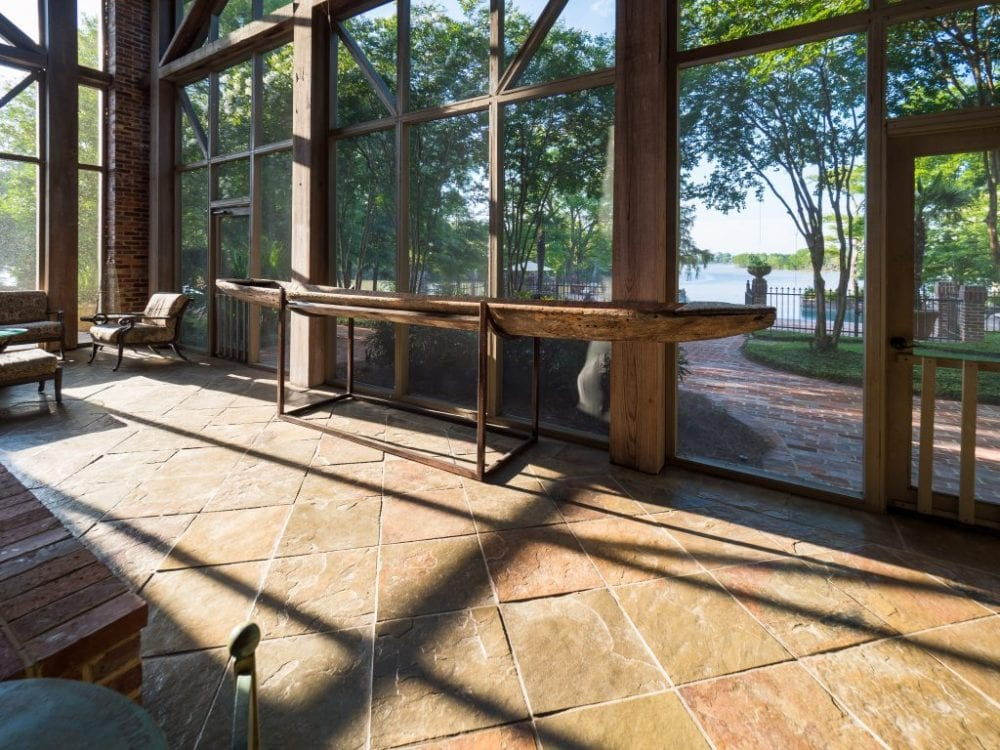 Screened in Porch 1024x768 1