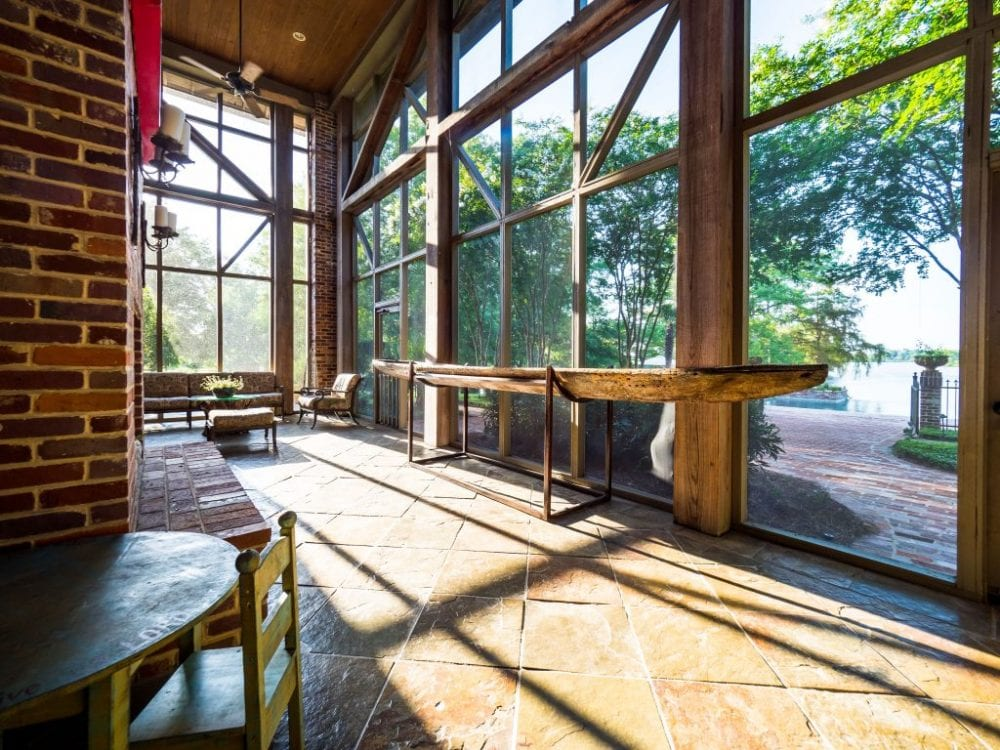 Screened in Porch1 1024x768 1