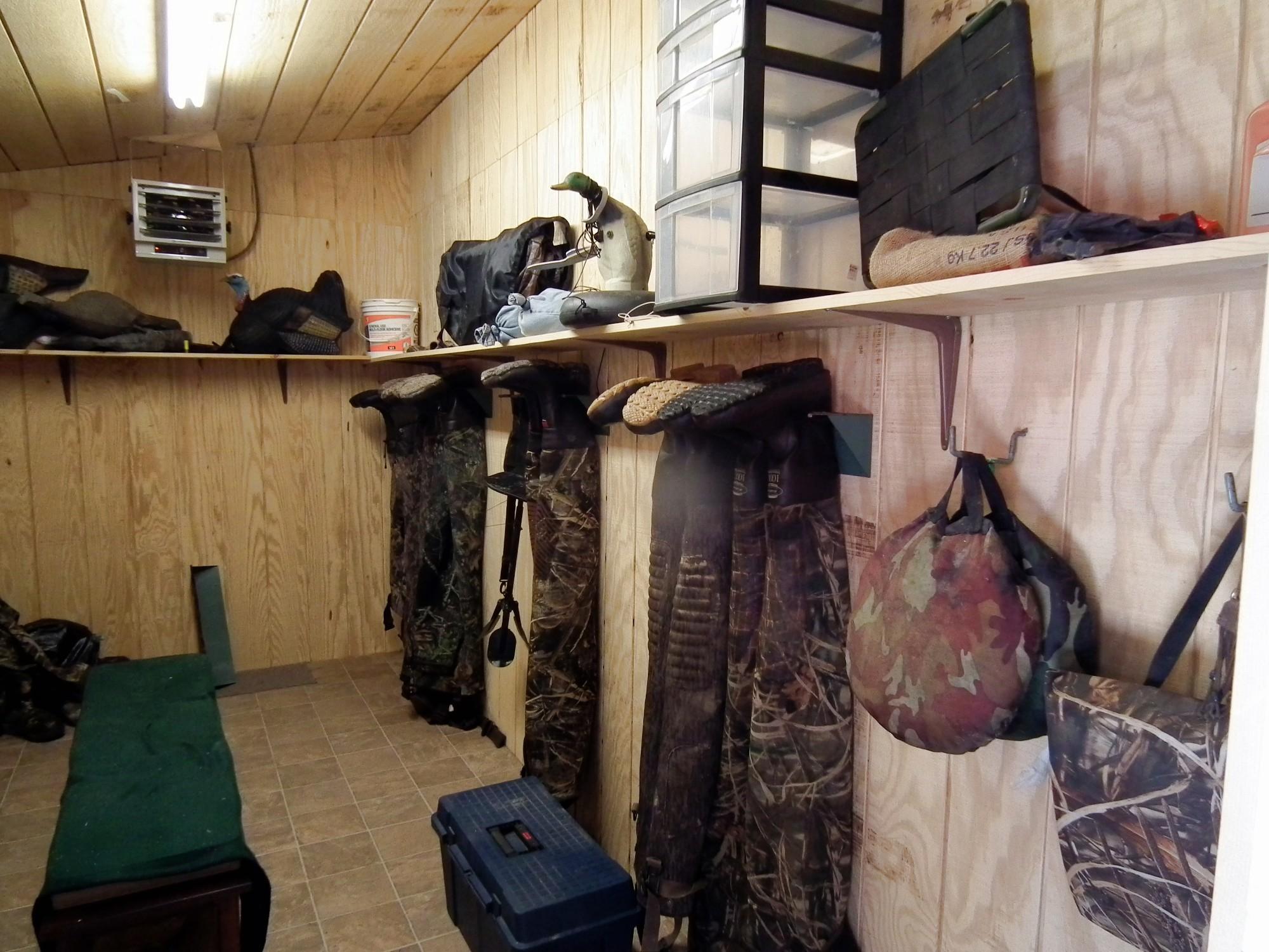 28-Mud-Room